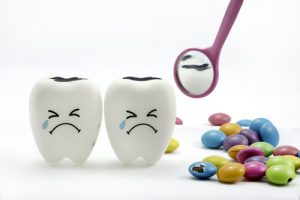 why are teeth sensitive to sugar
