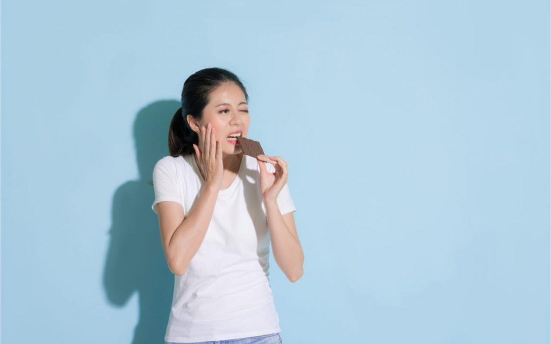 Teeth Hurt When Eating Sugar – Why Does It Hurt?